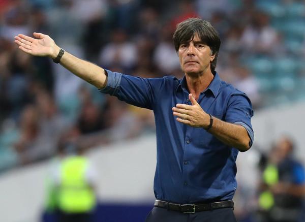 德国足球教练勒夫好帅_德国教练勒夫实际身高_德国教练勒夫有孩子吗